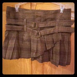Dresses & Skirts - NWOT! Brown plaid mini skirt